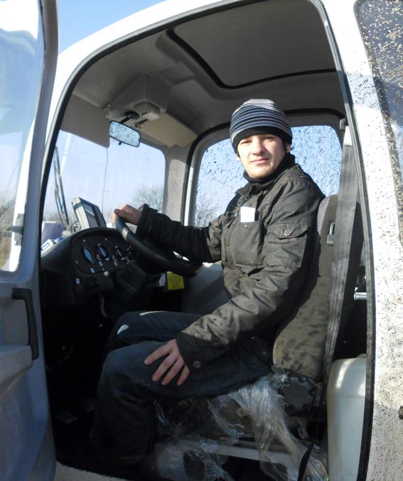 механизатор ГП «Козенки-Агро» Иван Александрович Богданик — молодой, увлеченный своей профессией человек.