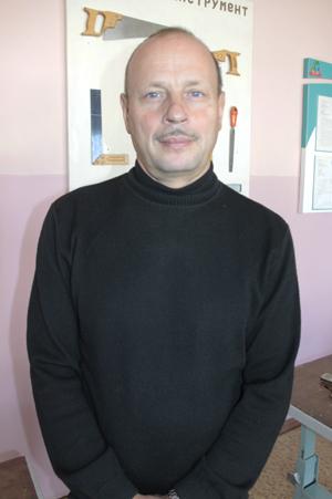 Александр Вячеславович Сидоренко, учитель трудового обучения высшей категории СШ №7 г.Мозыря