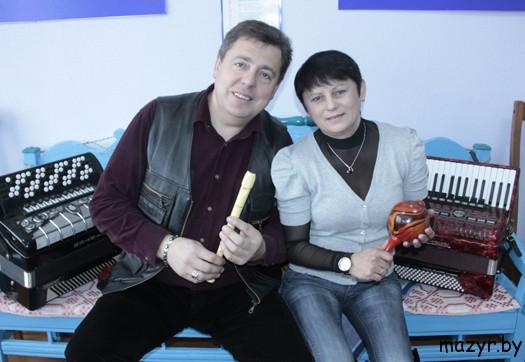 """музыкальный дуэт """"Маша и медведь"""" из Мозыря"""