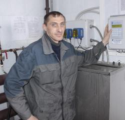 Слесарь по ремонту молочного оборудования Олег Юрьевич Зайцев