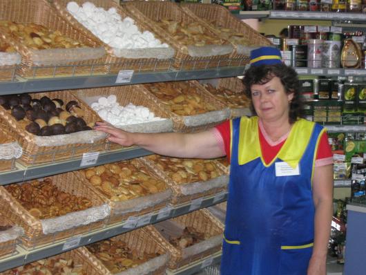 Продавец 5-го разряда Елена Жильская