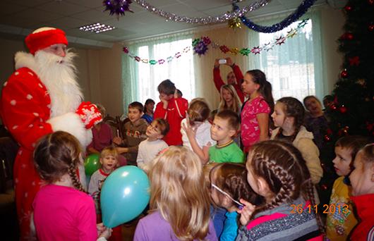 """В новогодней акции """"Наши дети"""" активное участие приняли учащиеся Мозырского медколледжа"""