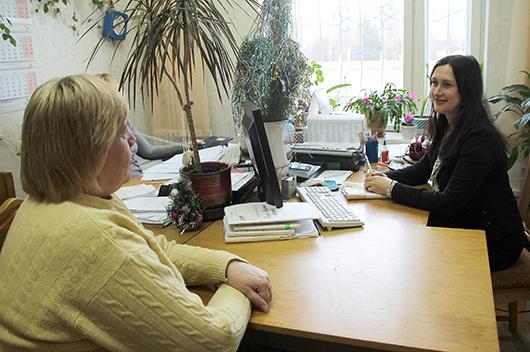 Наталья Александровна Полоз, главный специалист отдела по назначению и выплате пенсий и пособий управления по труду, занятости и социальной защите Мозырского райисполкома.