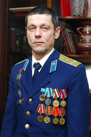 Леонид Владимирович Хомлюк — воин-интернационалист, капитан запаса, военный летчик первого класса.