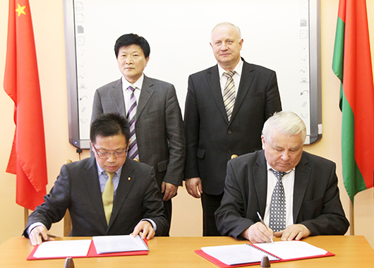 Мозырь с официальным визитом посетила делегация китайского г. Сюйчжоу