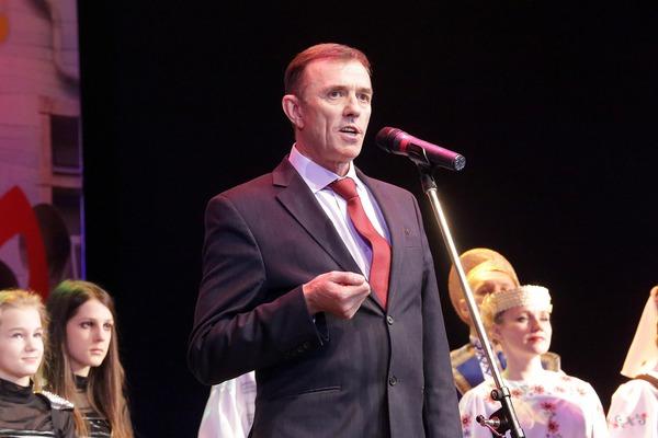 Начальник филиала «Мозырское подземное хранилище газа» Виктор Лукомский приветствует участников и гостей фестиваля