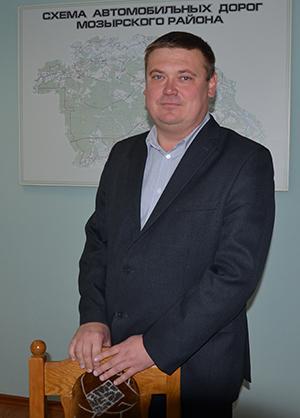 директор ДРСУ-186 Сергей Николаевич Ловчий