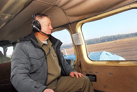 """Старший инструктор ДПС ГП """"Беллесавиа"""" Н.Г.Тихонов."""