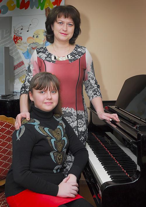 Ангелина Дворак с мамой Оксаной