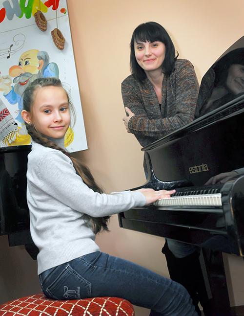 Эвелина Лыгач с мамой Ангелиной Лыгач