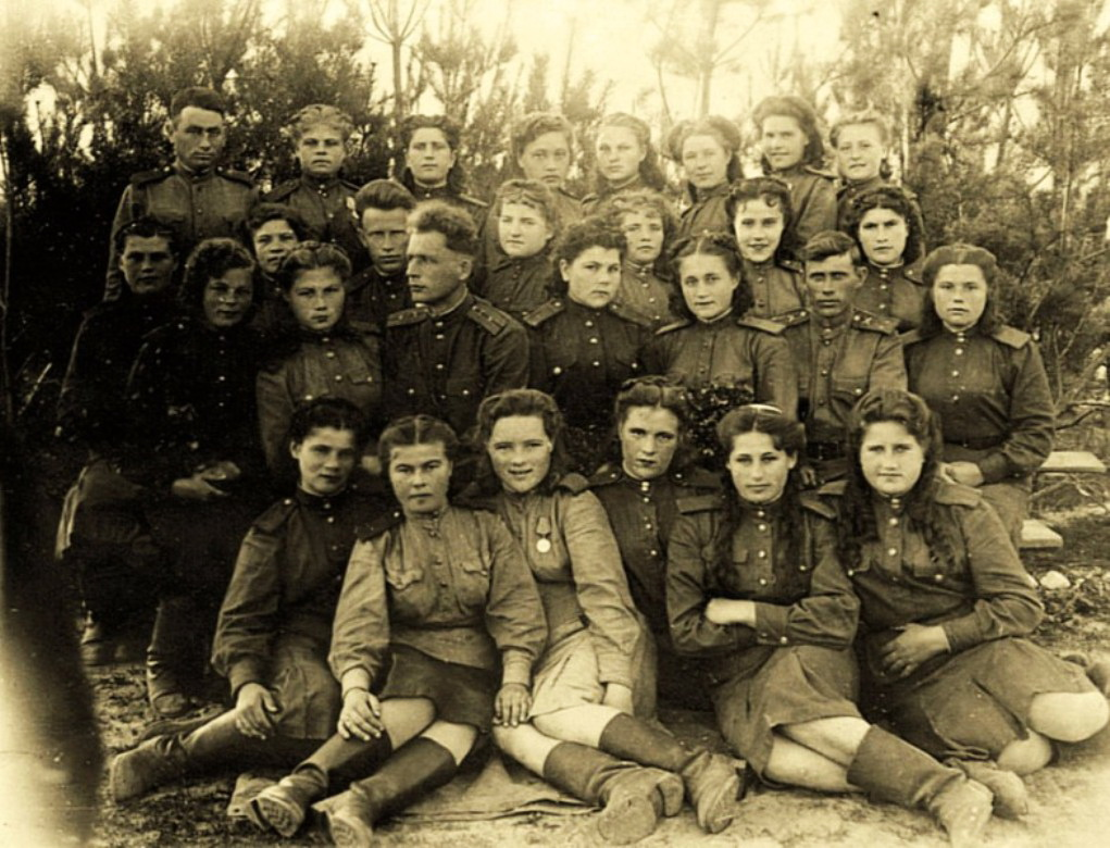Фронтовой снимок зенитчиц полка