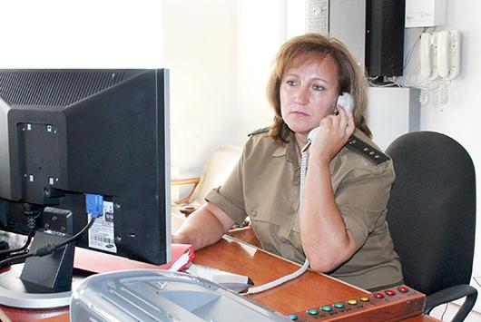 Диспетчер ЦОУ ПАСЧ №1  Раиса Чищеня всегда  выслушает и поможет.