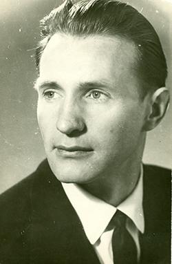 Михаил Колос