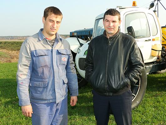 Агроном-семеновод Андрей Андреевич Гуд всегда может  рассчитывать на поддержку опытного управляющего отделения №2  Василия Викторовича Ефимовича.