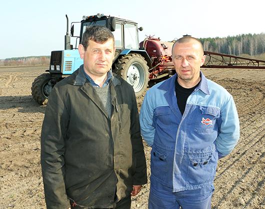 Василий Станиславович Семков и Валерий Михайлович Кулаженко работают в паре: с полуслова понимают друг друга коллеги.