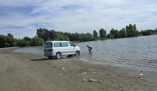 авто на реке