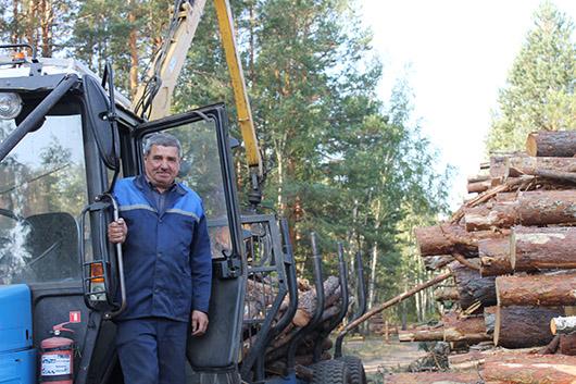 Тракторист-машинист трелевочной машины А.П.Талаш.