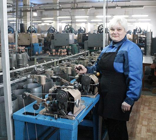 """Тростильщица Инна Николаевна Драбович: """"Наша работа — для внимательных  и динамичных""""."""