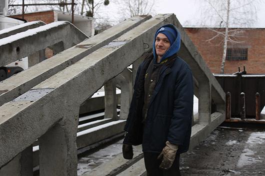 Формовщик Андрей Федорович Шешко — представитель семейной династии, третьего поколения заводчан.