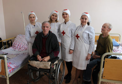 Стало доброй традицией посещение мозырскими волонтерами Красного Креста Слободской участковой больницы