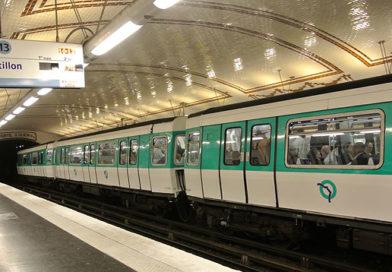 Родившийся в парижской электричке ребенок сможет бесплатно ездить по городу до 25 лет