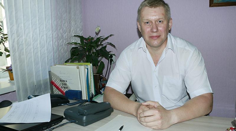 На прямой линии газеты на вопросы мозырян ответил председатель суда Мозырского района Анатолий Стрельченко