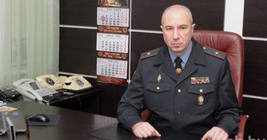 На прямой линии — заместитель Министра внутренних дел – командующий внутренними войсками генерал-майор Юрий Караев