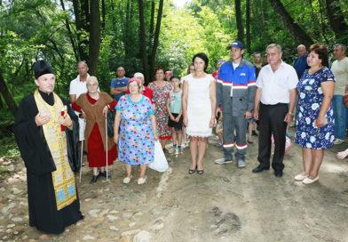 В д. Нагорные освятили родник «Добрица» в честь святой блаженной Матроны Московской