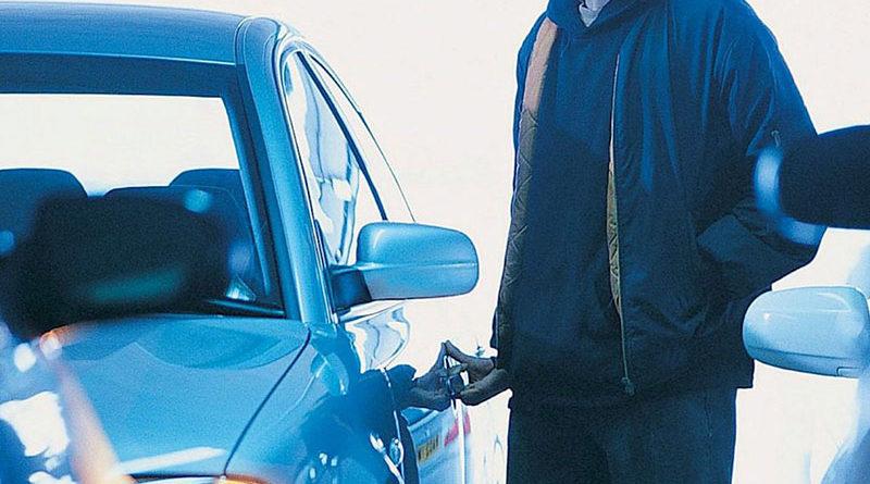 Мужчина в Минске угнал машину через три часа после суда за угон
