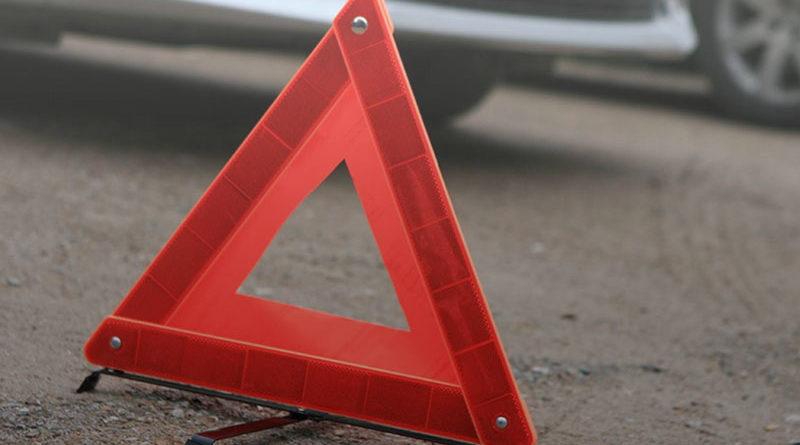 В Мозырском районе автомобиль попал в ДТП из-за лопнувшего колеса