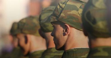 На страже  правопорядка. 27 лет посвятил избранному делу старший прапорщик войсковой части 5525 Виталий Макаревич