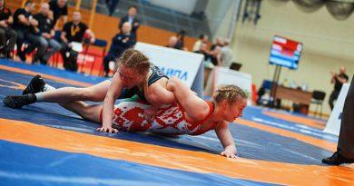 Восемь медалей выиграли борцы из Беларуси на турнире в Киеве. Среди них есть и мозырянин
